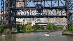4K Cleveland Drawbridge Closes Footage