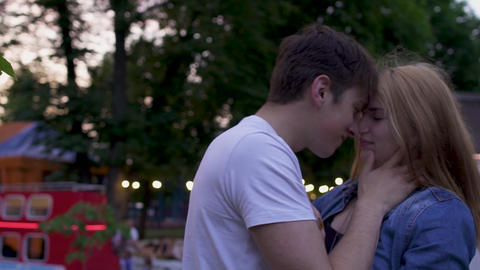 Couple in love in the park Live Action