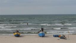 Fishing boats on the seashore ビデオ