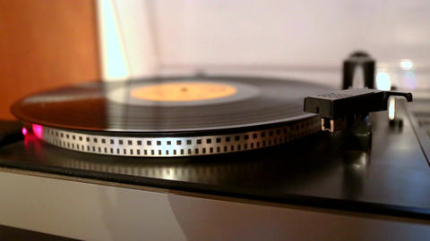 running and stopping gramophone turntable disc Footage