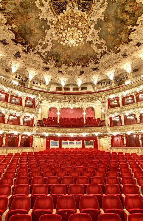 Empty auditorium in the theatre Fotografía