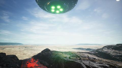 UFO lands in the desert 애니메이션
