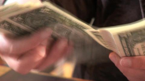 0002a Geldzaehlen Dollar Footage