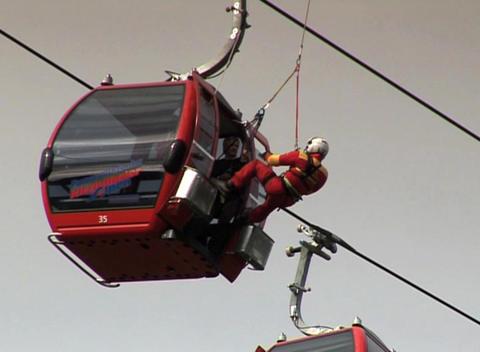 DV 00033 Bergeuebung Hubschrauber2 Footage