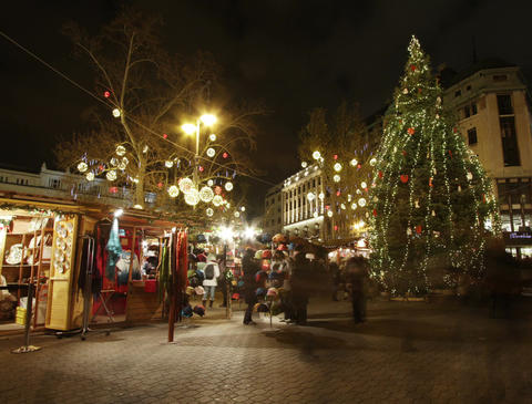 4K Christmas Market in Budapest 1 Timelapse Stock Video Footage