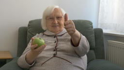 Healthy old woman is showing thumb up 영상물