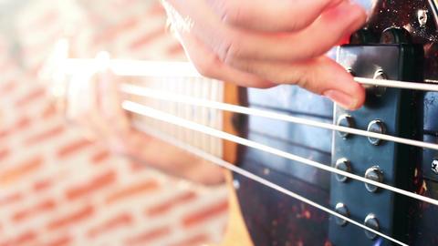 Bass guitar player GIF 動畫