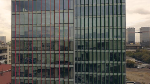 Aerial view glass building. Glass window skyscraper building Fotografía