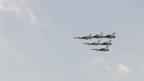 4K US Air Force F-16 Thunderbirds in formation Live Action