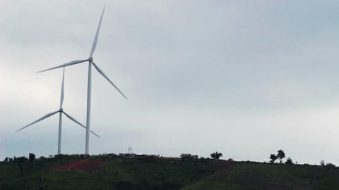 Scenery before the rainstorm will come of Wind turbines for electricity in the ビデオ