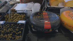 Market Stall wth Olives and Cheese ライブ動画