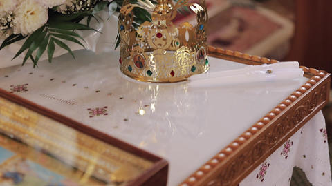 Crown for wedding ceremony in the Church Live Action