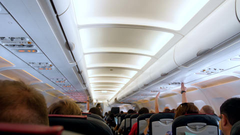 4k out of focus video of long row of passenger seat in airplane before take off ライブ動画