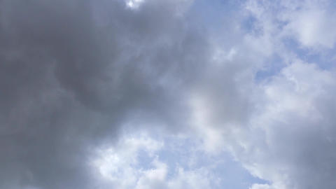 Storm Clouds Gather In Real Time ビデオ