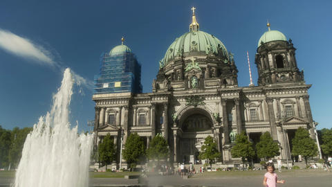 Berlin Cathedral with Fountain Live Action