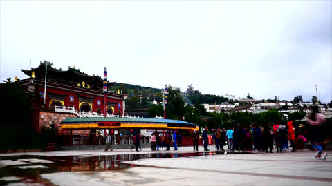 Time lapse shot at the entrance of a Tibetian temple 01 ビデオ