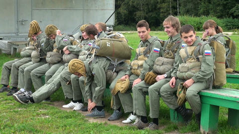 The paratroopers are going to the airplane Stock Video Footage