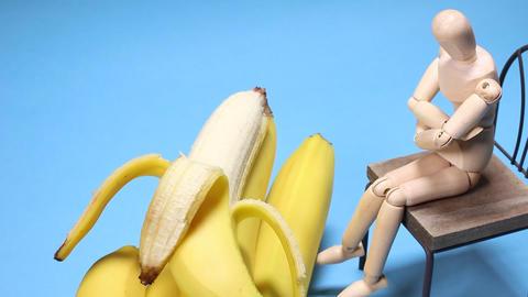 バナナと木の人形 ライブ動画