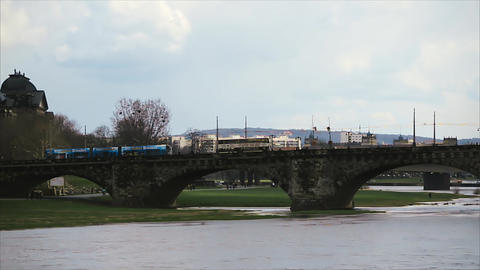 Old Bridge Over River Elbe in Dresden Archivo