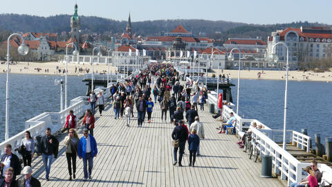 SOPOT, POLAND -APRIL 2018: People On The Pier In Sopot, Poland 02 ビデオ