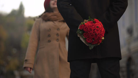 Beautiful flowers for a pretty woman, first date and beginning of a relationship Live Action