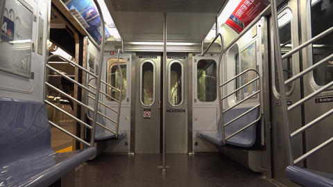 NEW YORK CITY : The New York City Subway Live Action