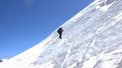 Climber on the ice slope 영상물
