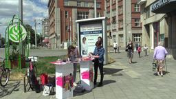 OLOMOUC, CZECH REPUBLIC, JULY 5, 2018: Young women offer for sale perfume ビデオ