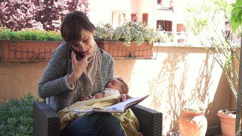 Mom Mother Holding Baby Child Teleworking Telework Telecommuting Remote Work ビデオ