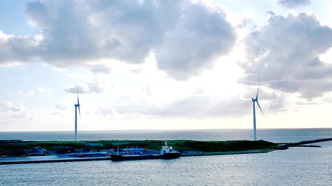clean recycle energy from the wind mill or turbines or farms of Japan ビデオ