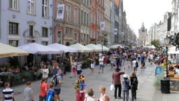 Gdansk, Poland - the old town. Tourists at the Long Market ビデオ