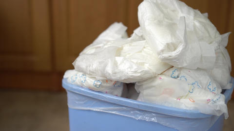 Diaper wastebasket 영상물