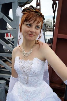 bride on the ferry フォト