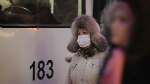 woman wear facemask outdoor Footage