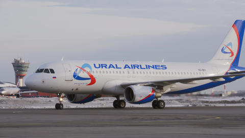 Ural Airlines A320 taxiing at the airport, Moscow Live Action