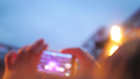 Capturing the moments of favourite music band concert ビデオ