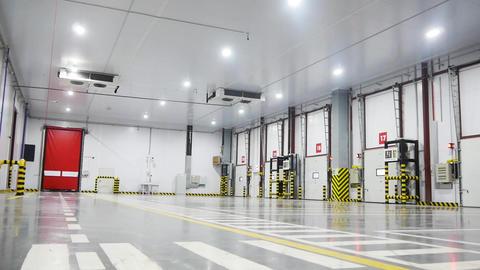 warehouse unloading facilities Footage