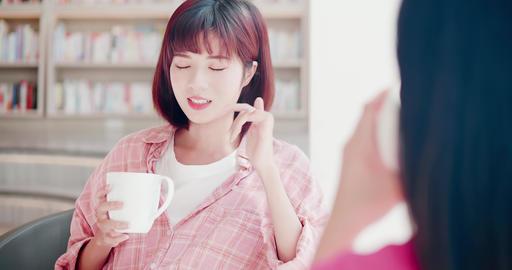 women chat and enjoy coffee 영상물
