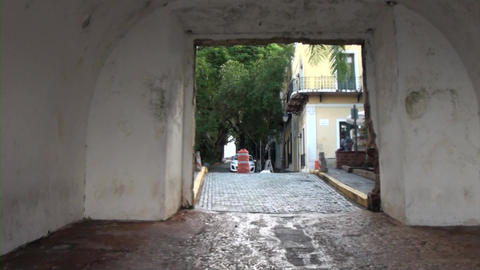 Tunnel in San Juan Live Action