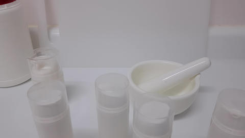 Containers for creams in the cosmetic laboratory Live Action