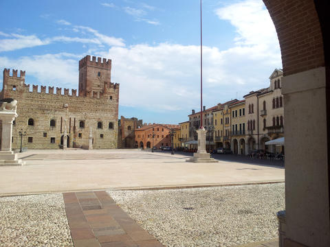 View on The Castle of Marostica, Vicenza, Veneto, Italy フォト