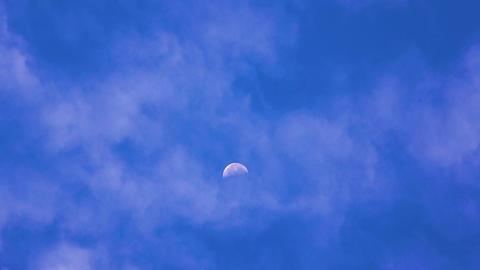 月面を横切るジェット旅客機 ビデオ