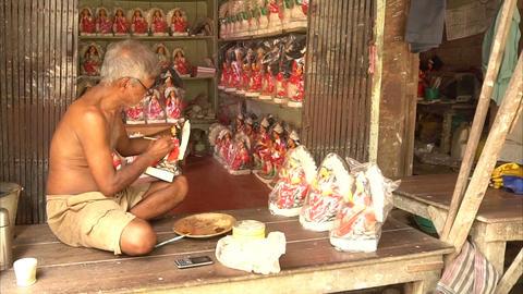 Paiting of Goddess Saraswati idol , Kolkata Live Action