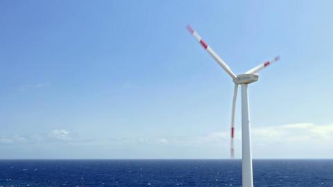 Wind turbine oceanfront Archivo