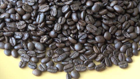 Medium quality coffee beans. The process of drying coffee beans not good quality 영상물