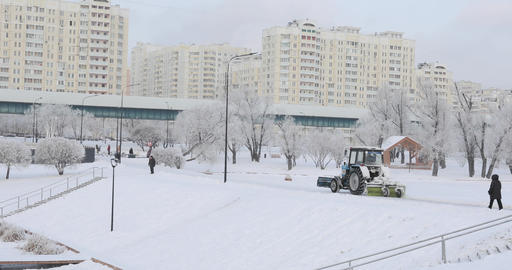 Snow cleaning tractor 영상물