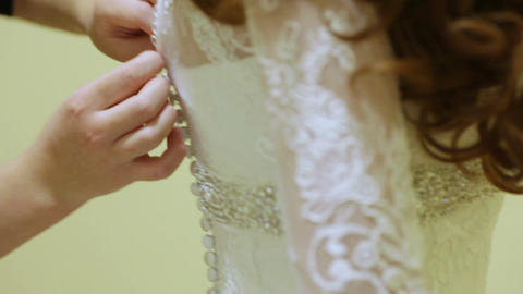 Buttoning wedding dress Live Action
