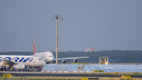 Asiana Airbus 380 take-off Live Action