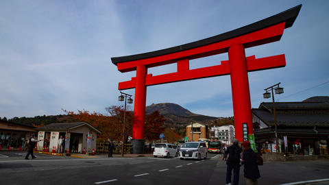 Big religious gate in front of traditional shrine on the street timelapse ビデオ
