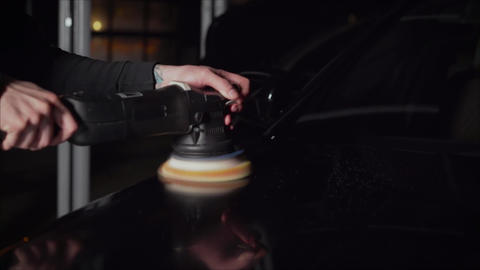 Details auto. Polishes the car body. Master polishes machine Live Action